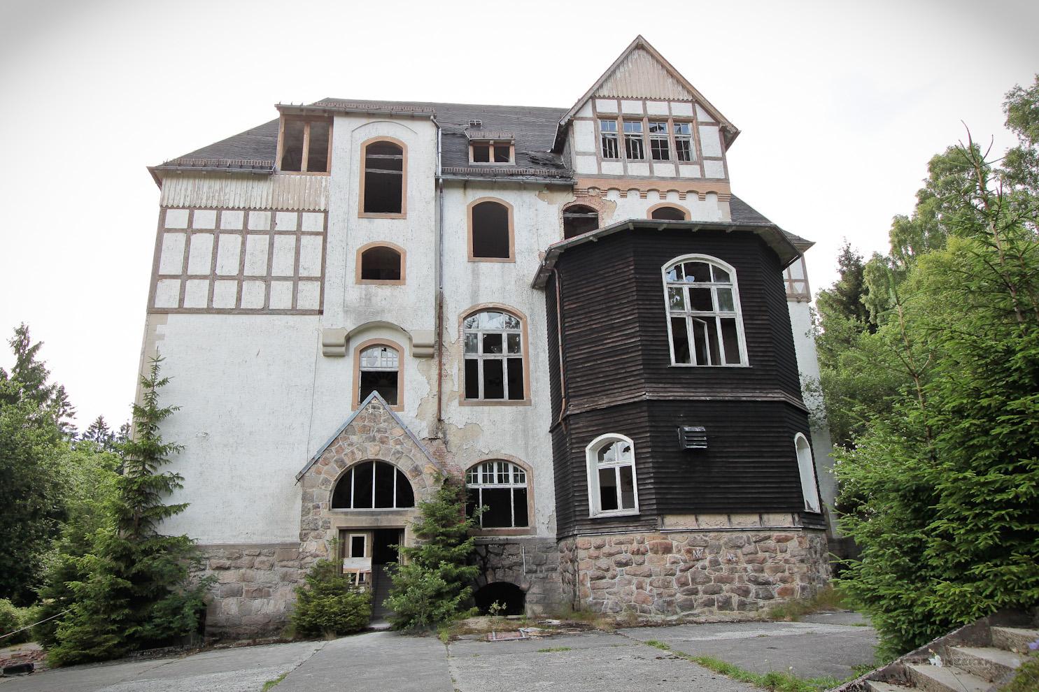 Haupteingang der Johanniter-Heilstätte