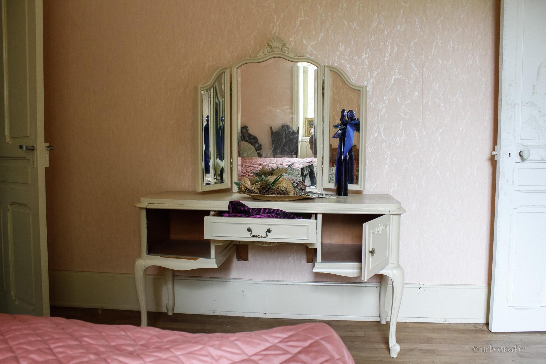 chateau banana spiegelkomode