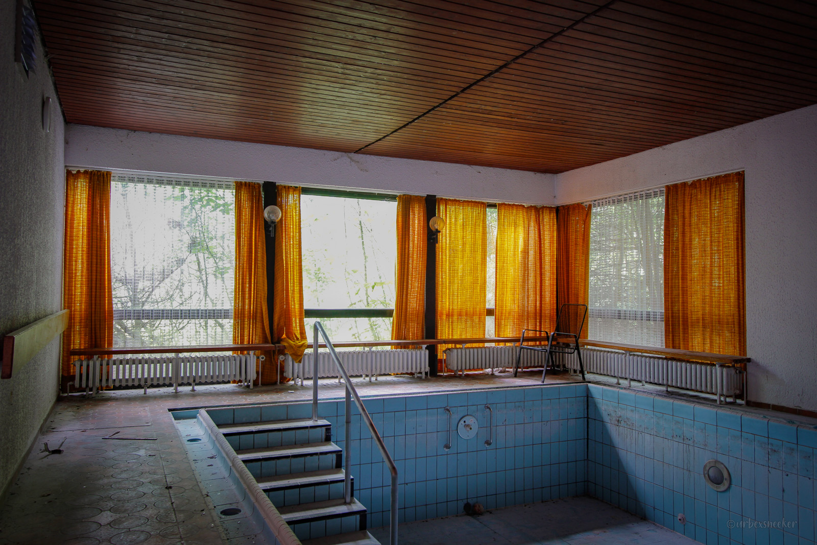 verlassenes Schwimmbad Hotel Teddy MG_5267