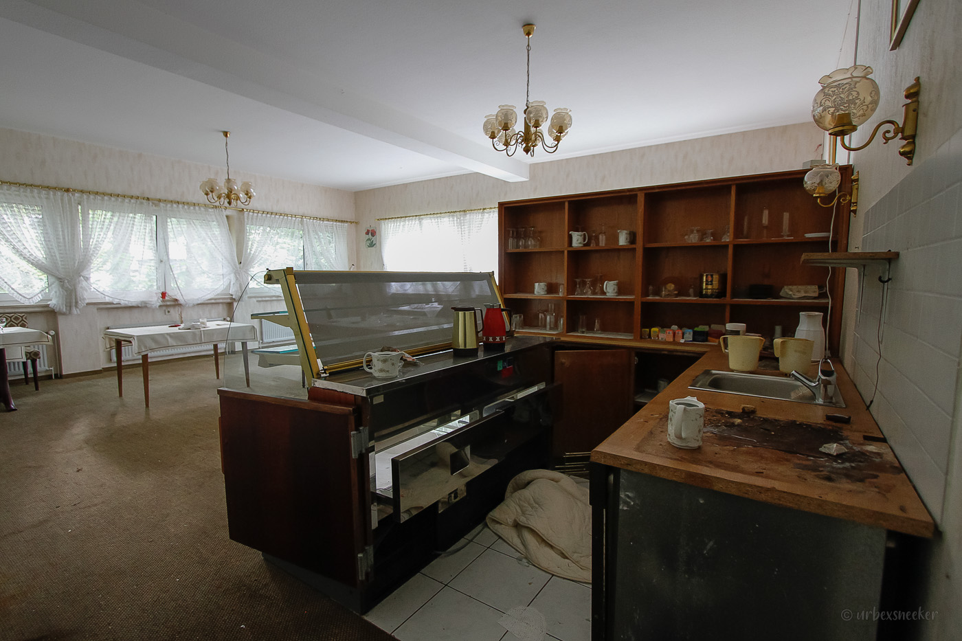 verlassenes Rehbock-Hotel Frühstücksraum 6130