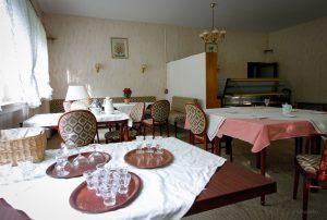 lost place hotel frühstücksraum