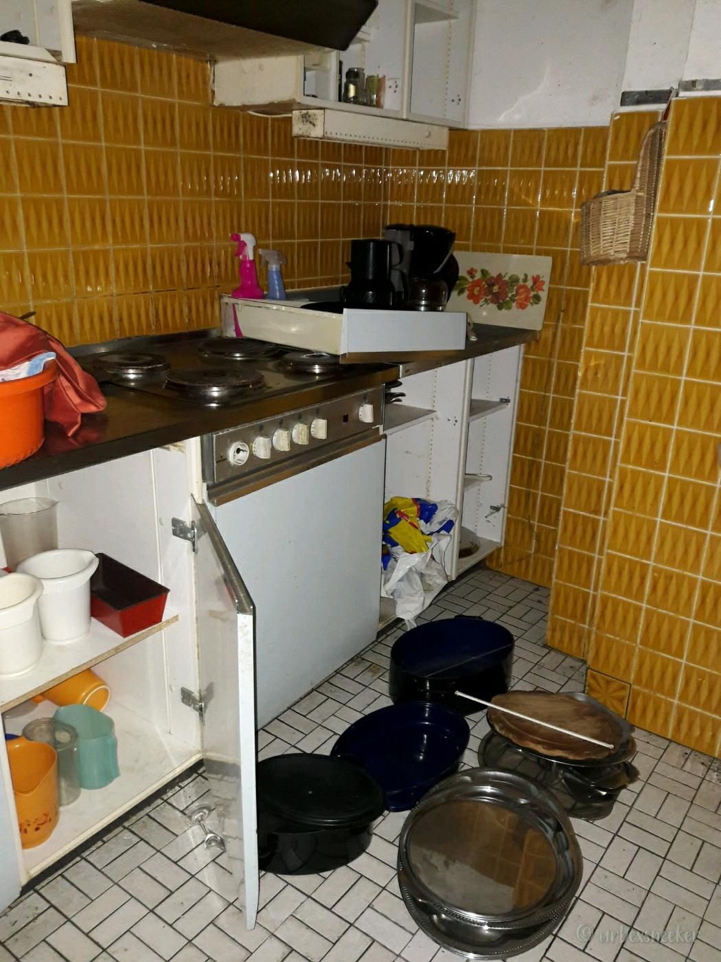 verlassenes Rehbock-Hotel kleine Küche