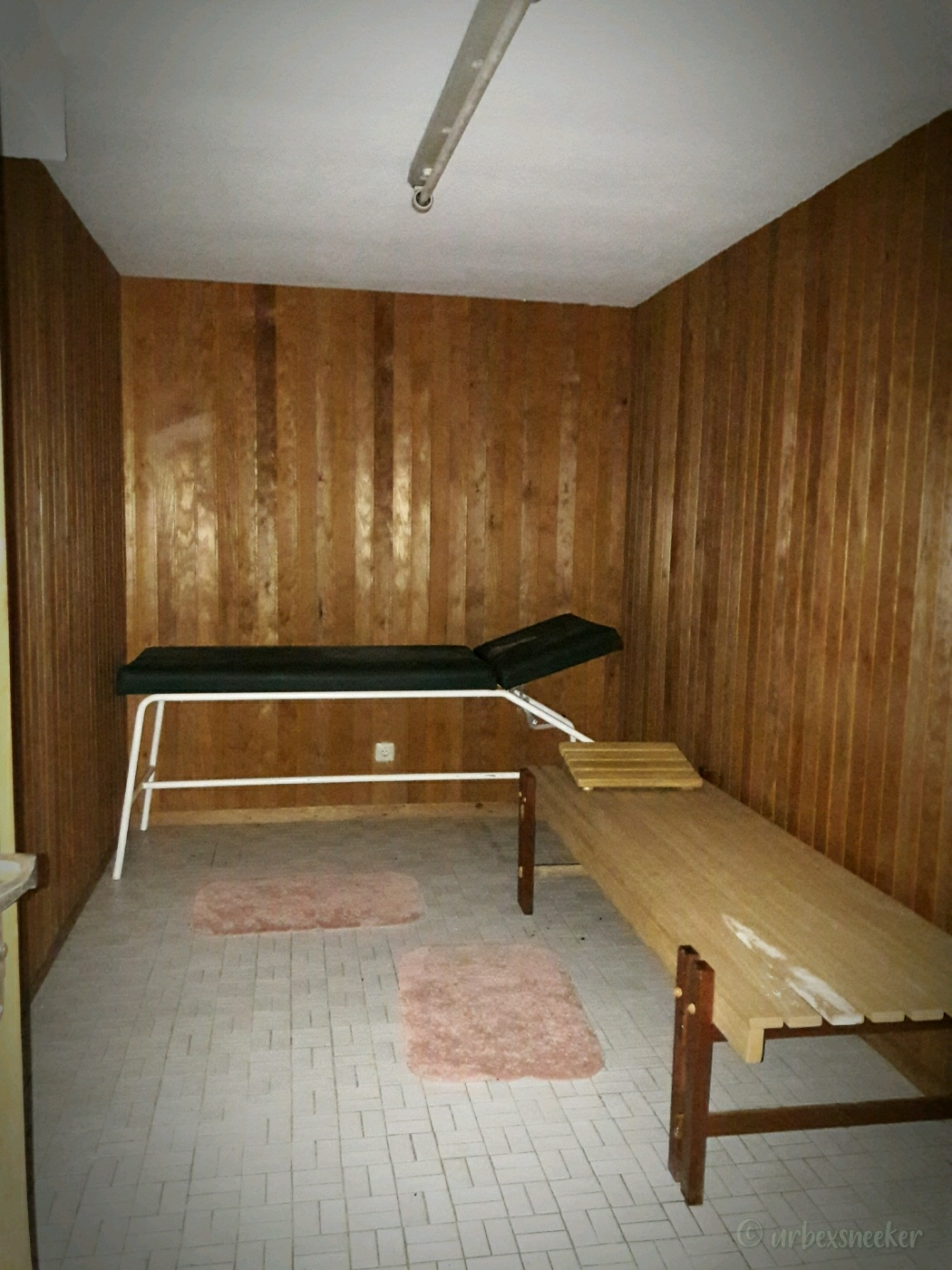 verlassenes Rehbock-Hotel Sauna
