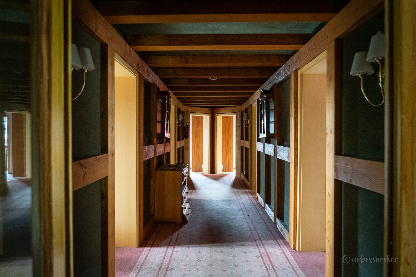 lost place Hotel Harz Flur