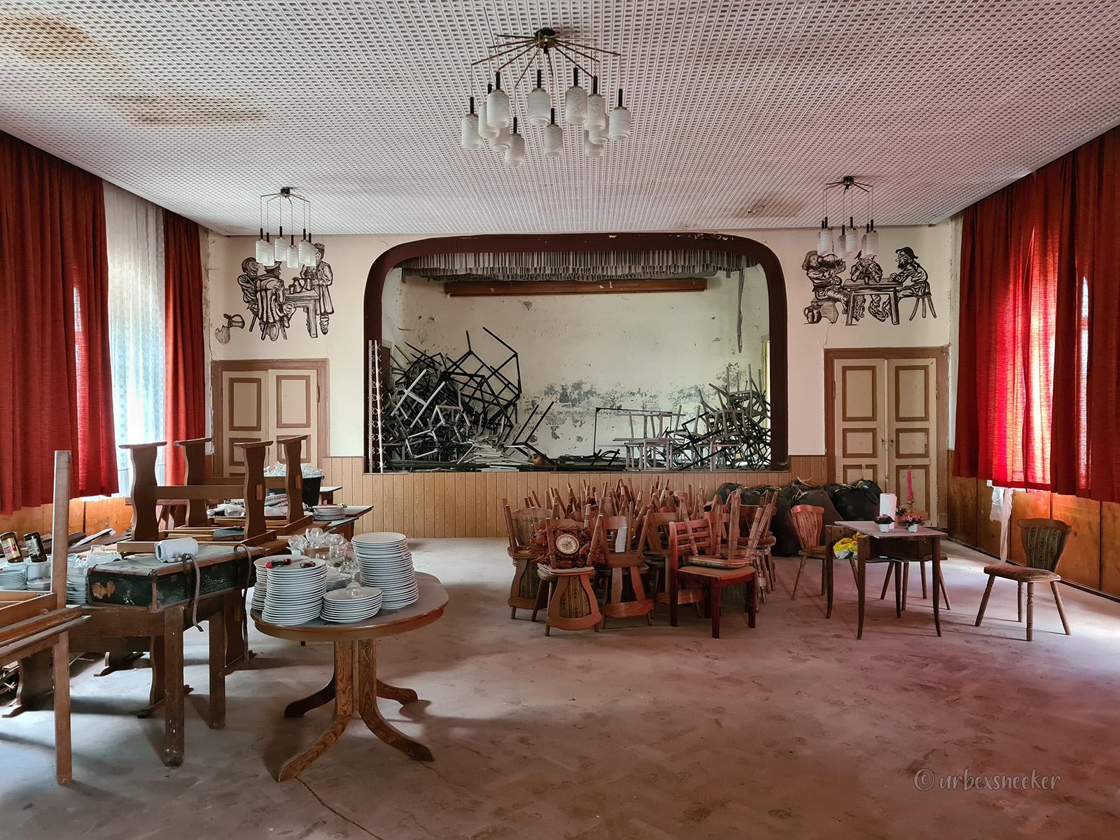 """Das verlassene Gasthaus """"zur Lokalszene"""""""